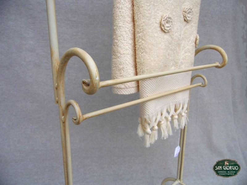 Porta asciugamano su due livelli modello altof0805 san - Porta asciugamani bagno ...